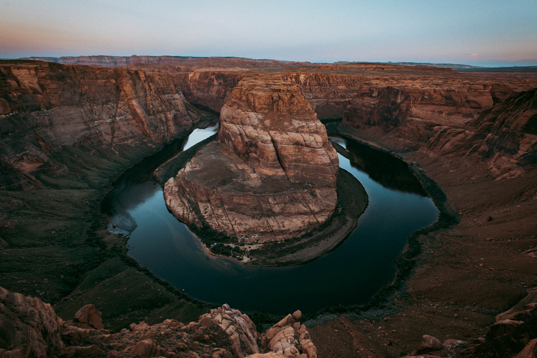 Adventure wedding and elopement photography Horseshoe Bend