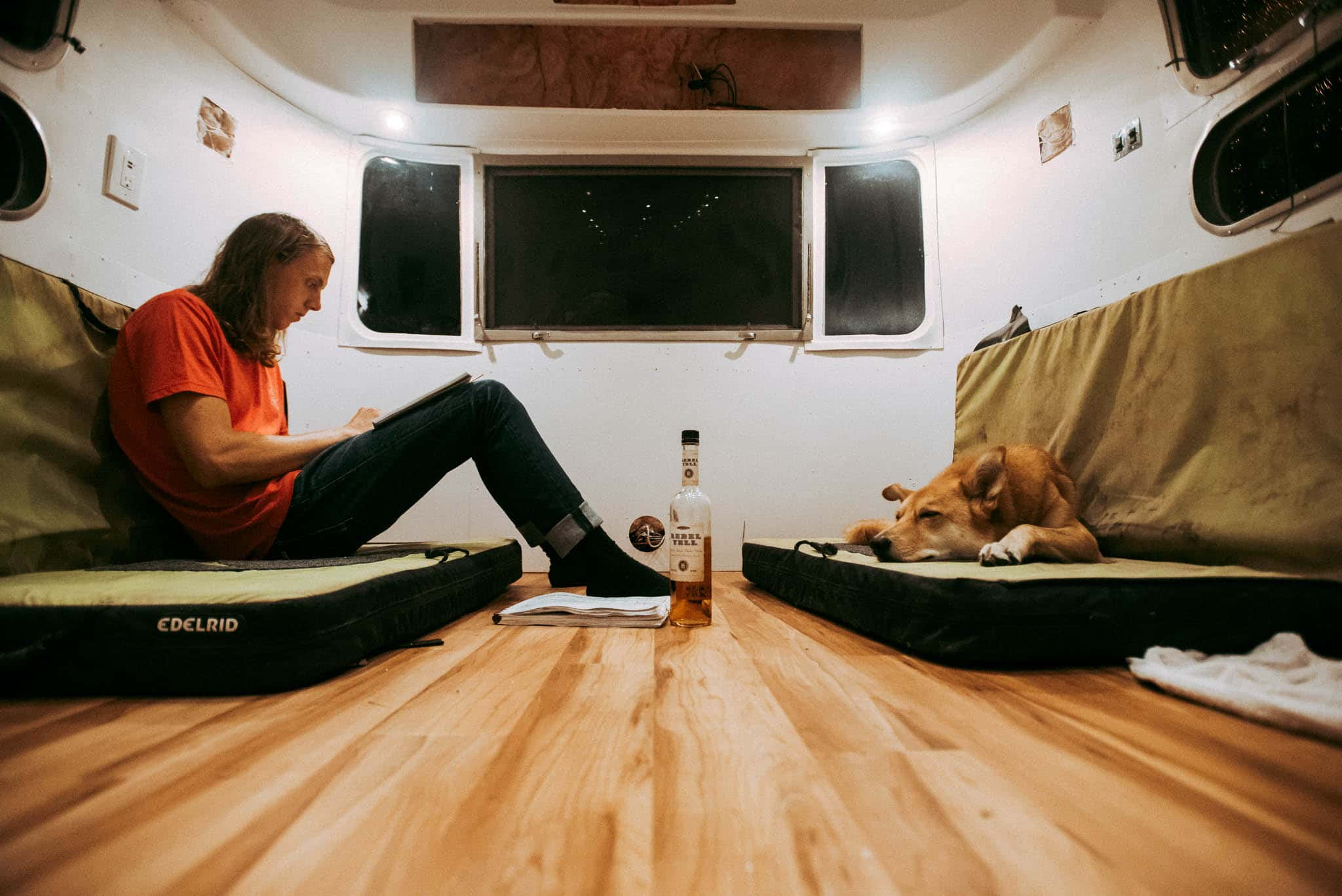 the_foxes_photography_airstream_renovation_21