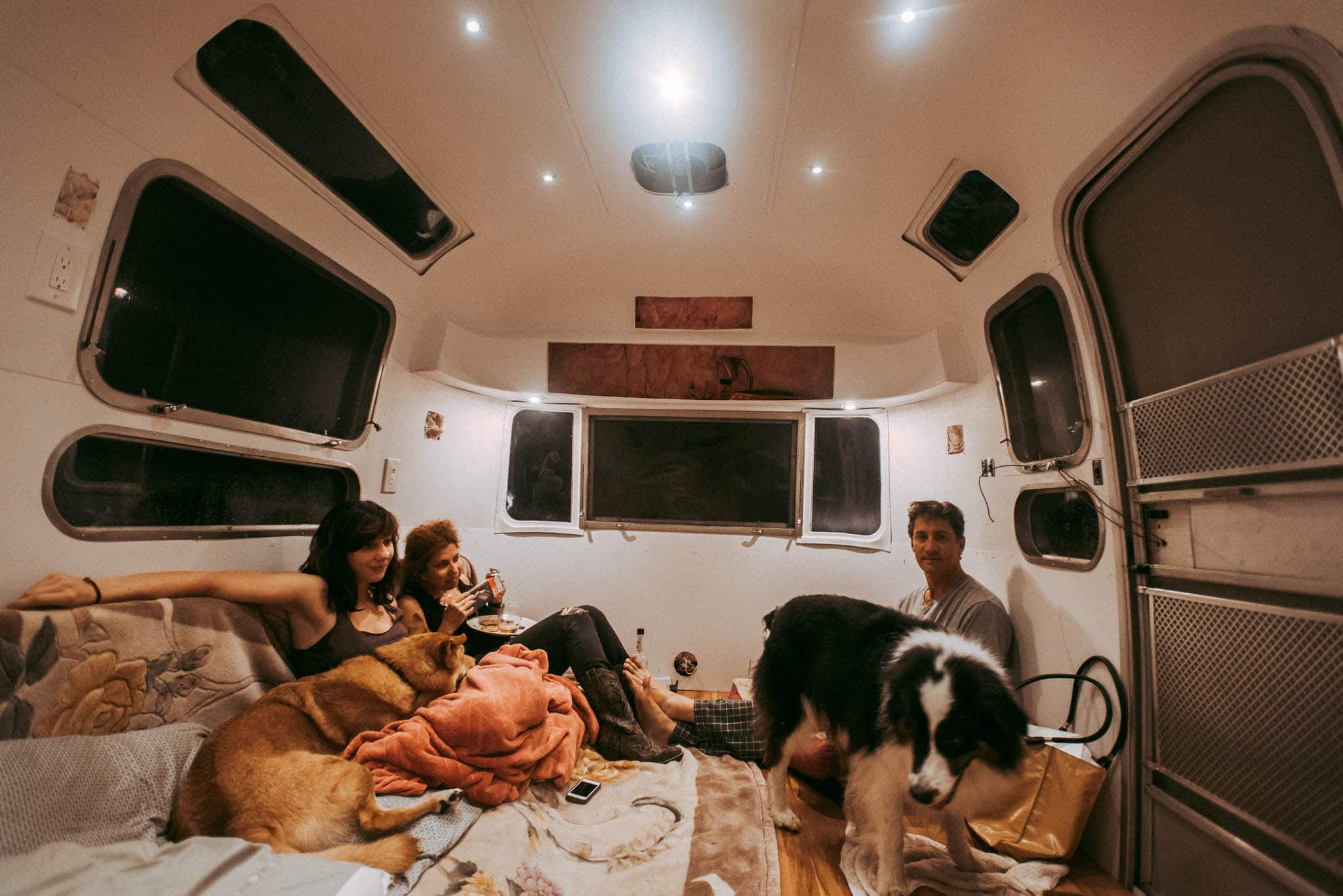 the_foxes_photography_airstream_renovation_22
