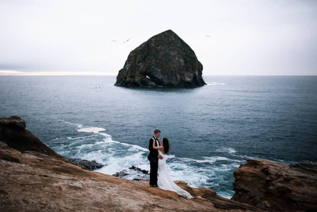 elopement photographer cape kiwanda | the foxes photography