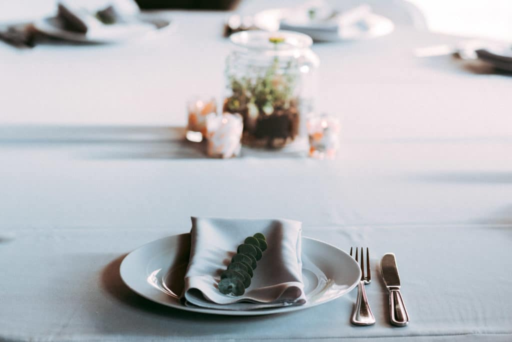 table setting withinsodo seattle wedding diy