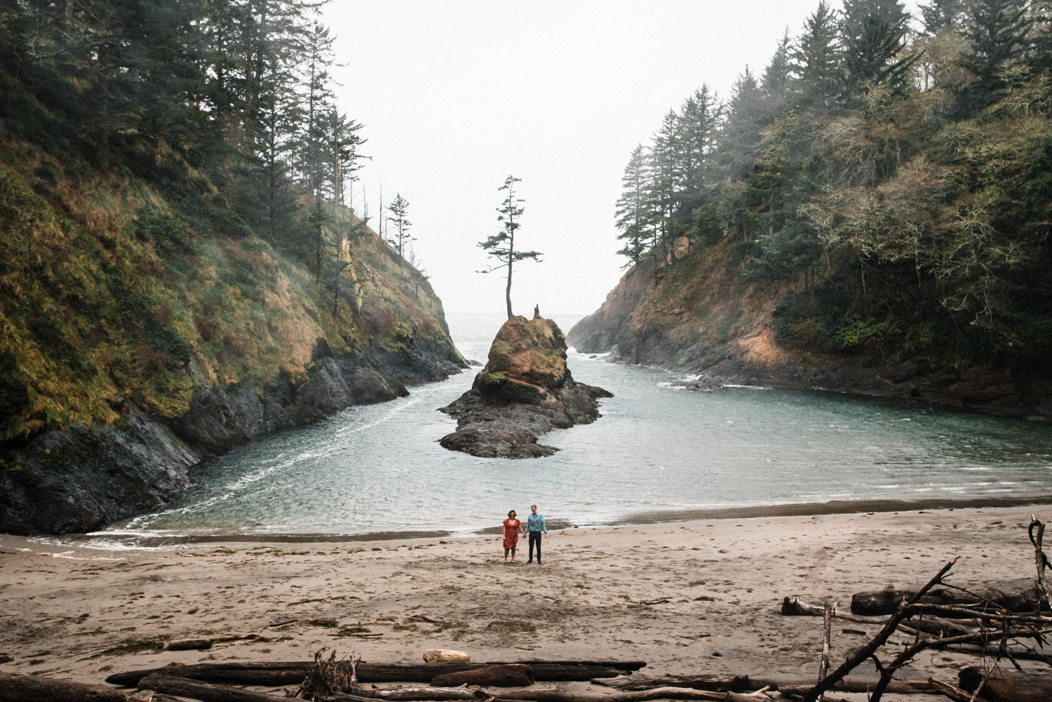 Cape_Disappointment_Engagment_Kailey_Alex_The_Foxes_Photography_078.jpg