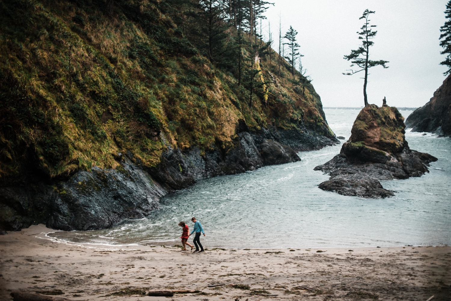 Cape_Disappointment_Engagment_Kailey_Alex_The_Foxes_Photography_098.jpg