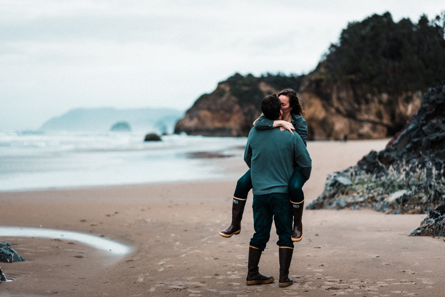 Hug_Point_Engagement_Oregon_Coast_The_Foxes_Photography_068.jpg