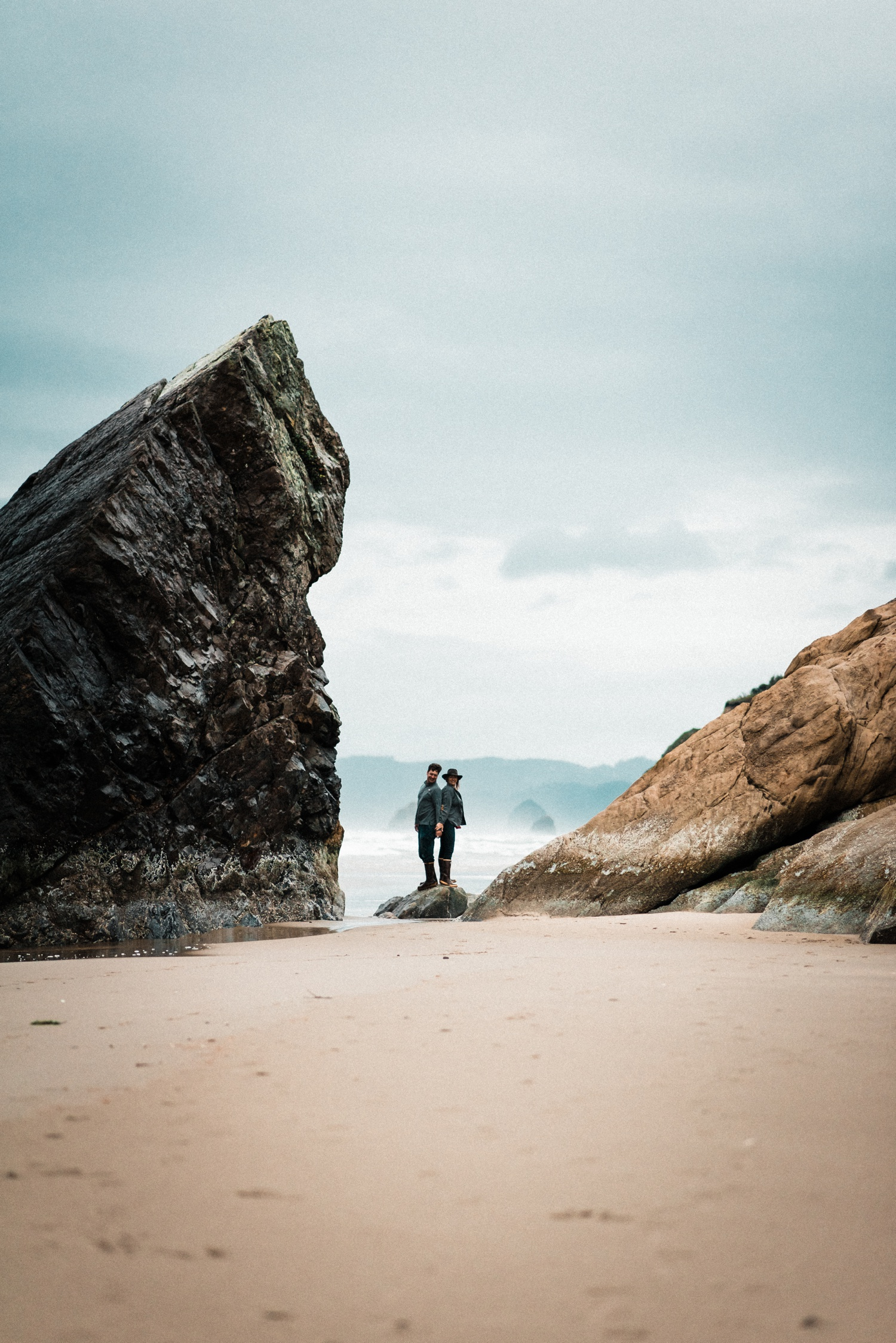 Hug_Point_Engagement_Oregon_Coast_The_Foxes_Photography_078.jpg