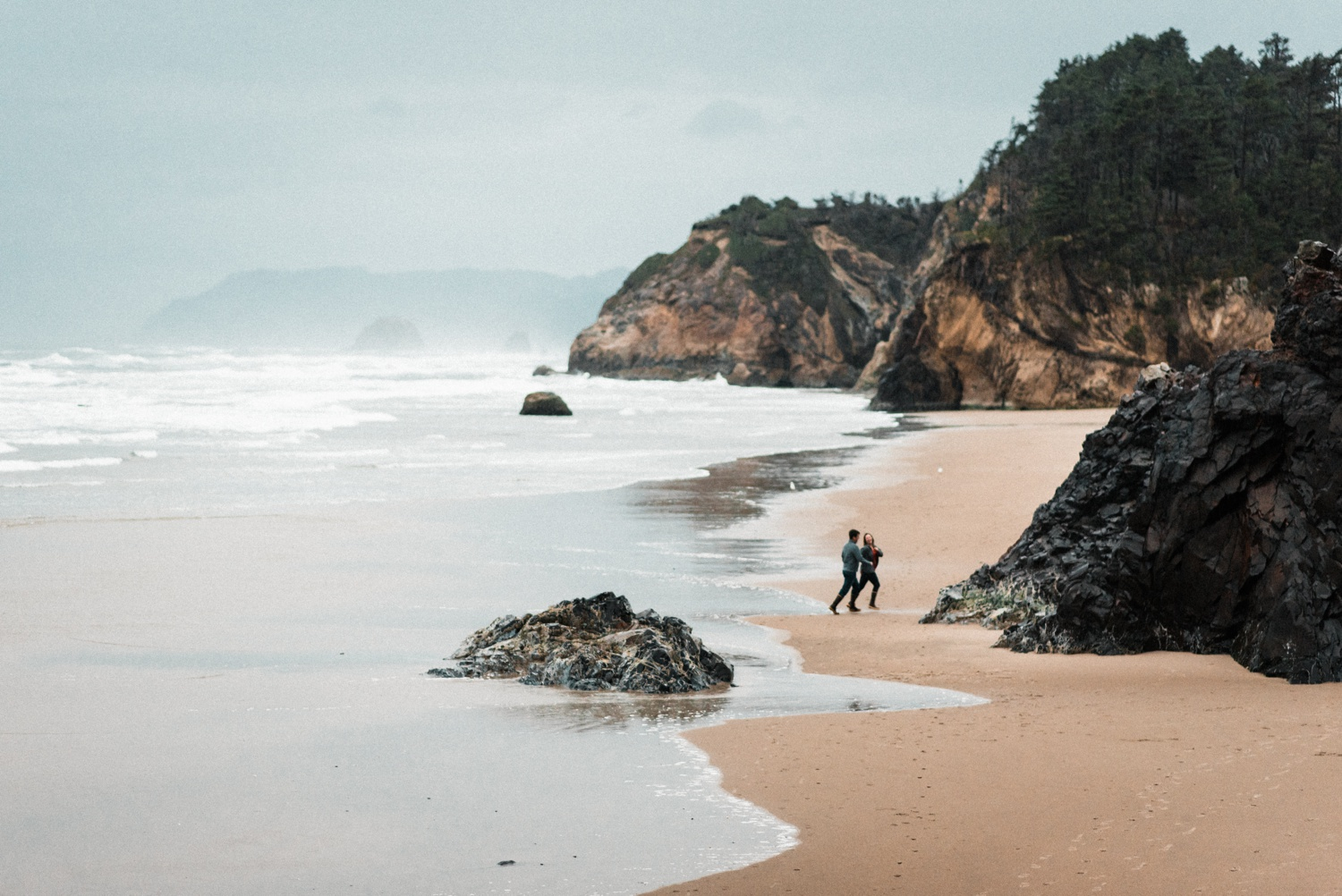 Hug_Point_Engagement_Oregon_Coast_The_Foxes_Photography_099.jpg