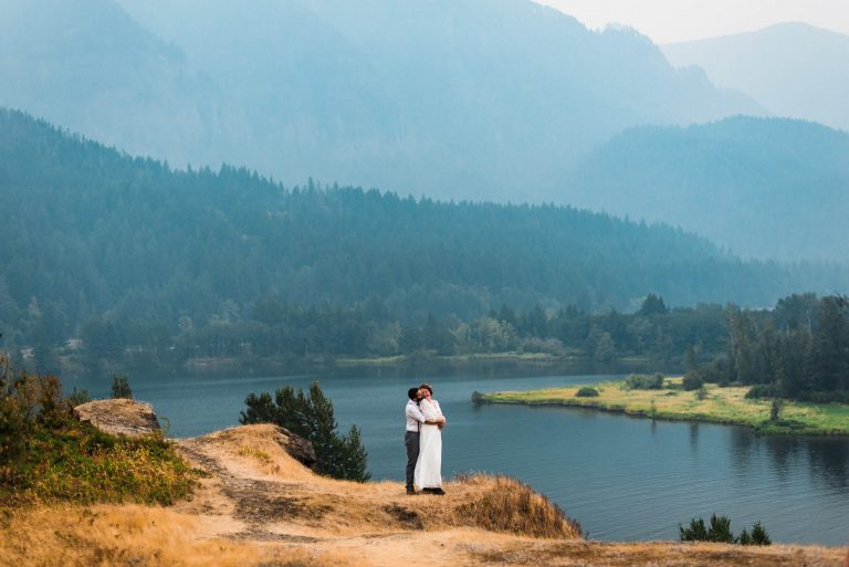best places to elope in oregon columbia river gorge elopement