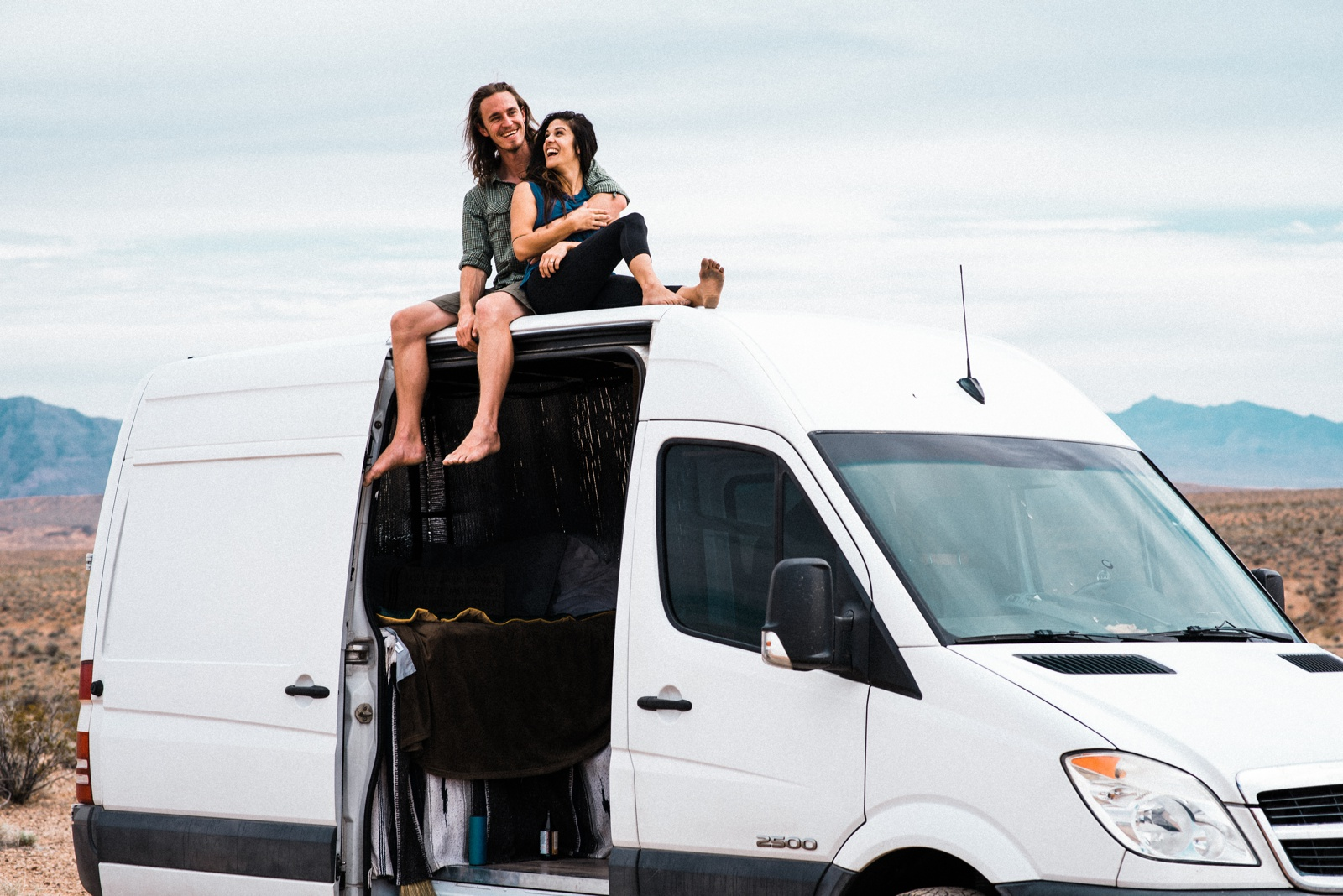 vanlife couples adventure session