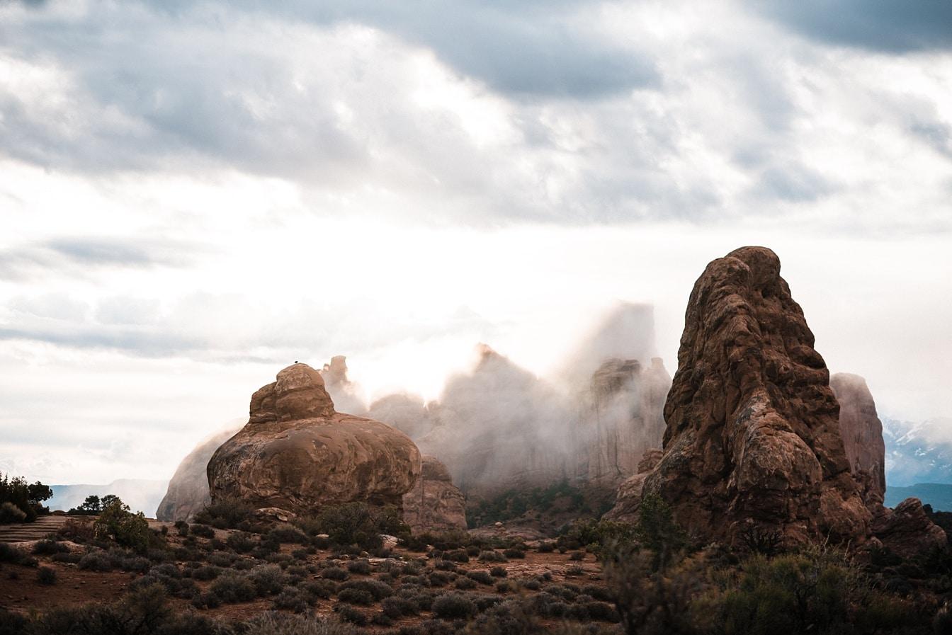 Canyonlands Moab Elopement Samantha Evan_0011.jpg