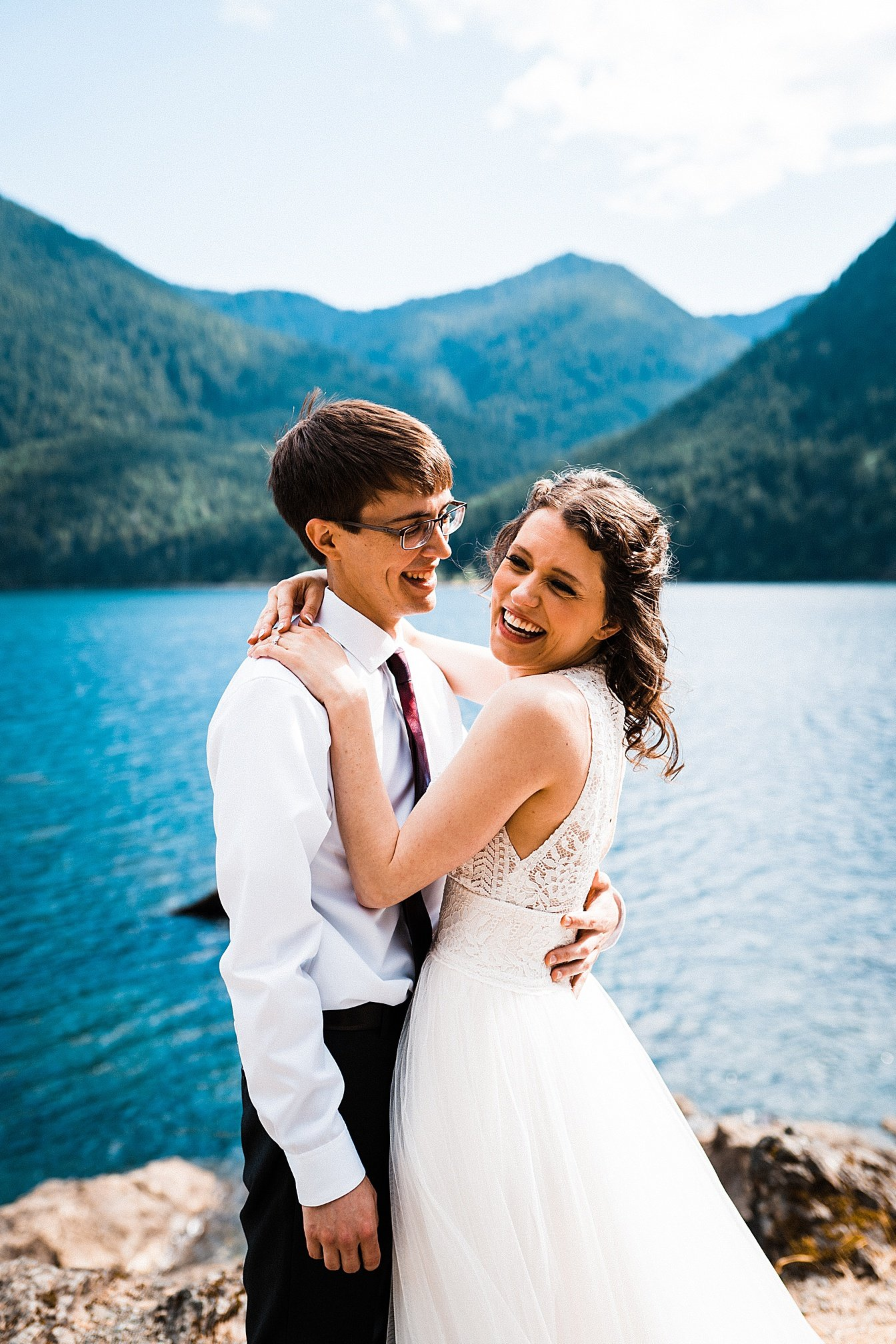 lake-cushman-elopement_0004.jpg