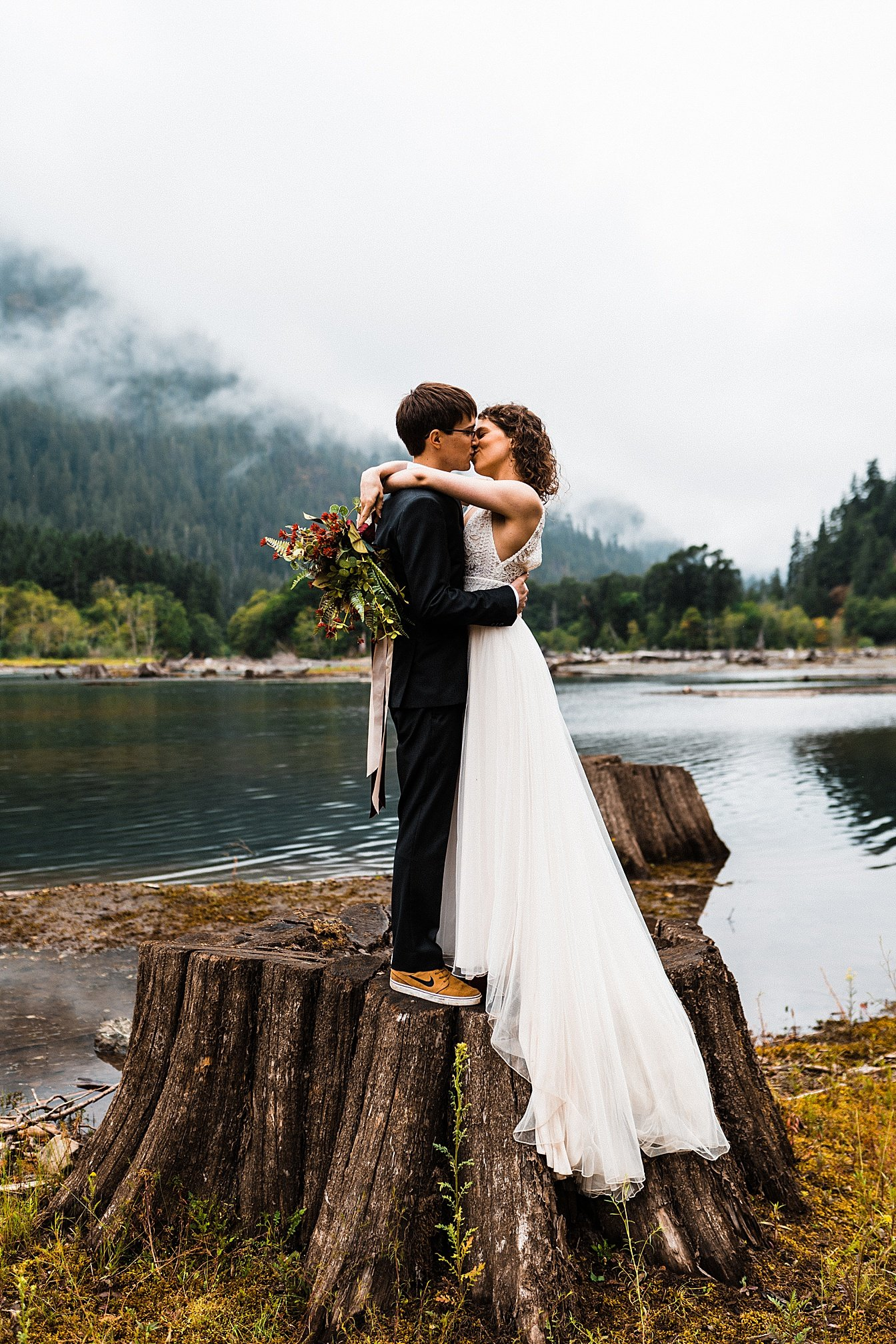 lake-cushman-elopement_0012.jpg