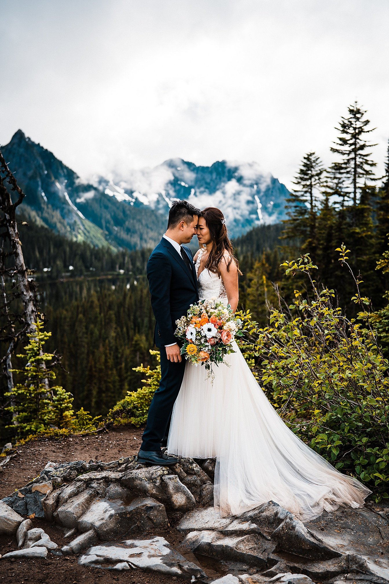 misty-mountain-elopement-mount-rainier_0016.jpg