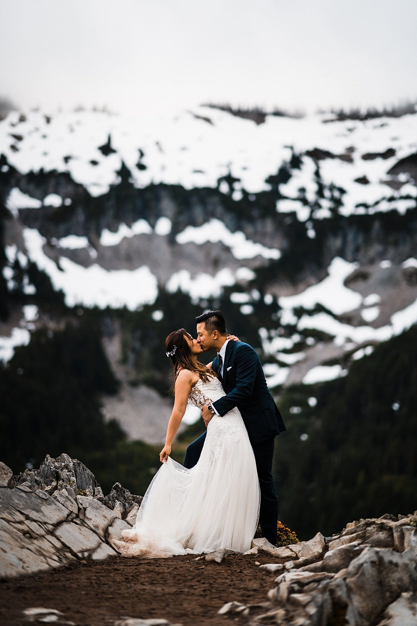 misty-mountain-elopement-mount-rainier_0020.jpg