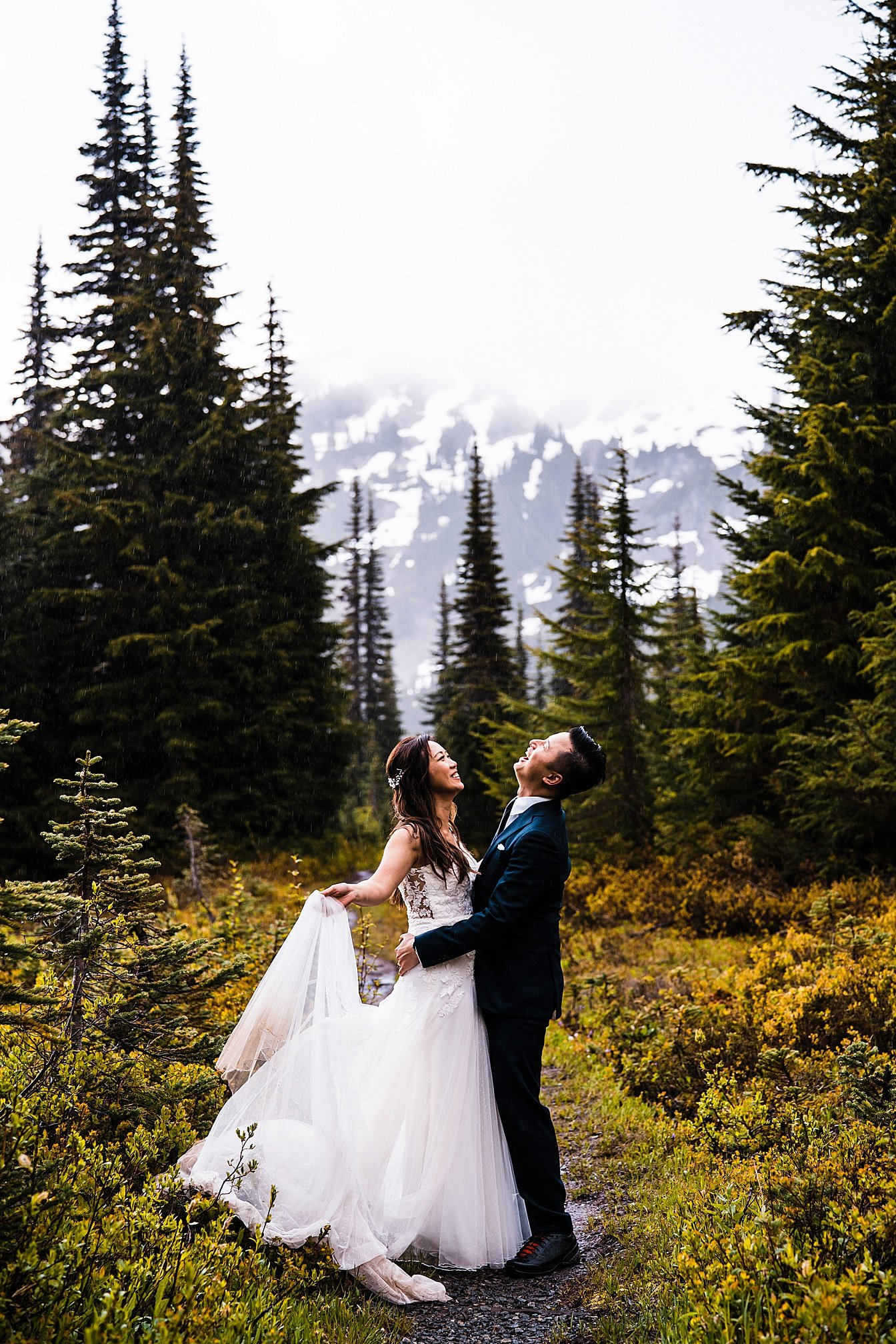 misty-mountain-elopement-mount-rainier_0024.jpg