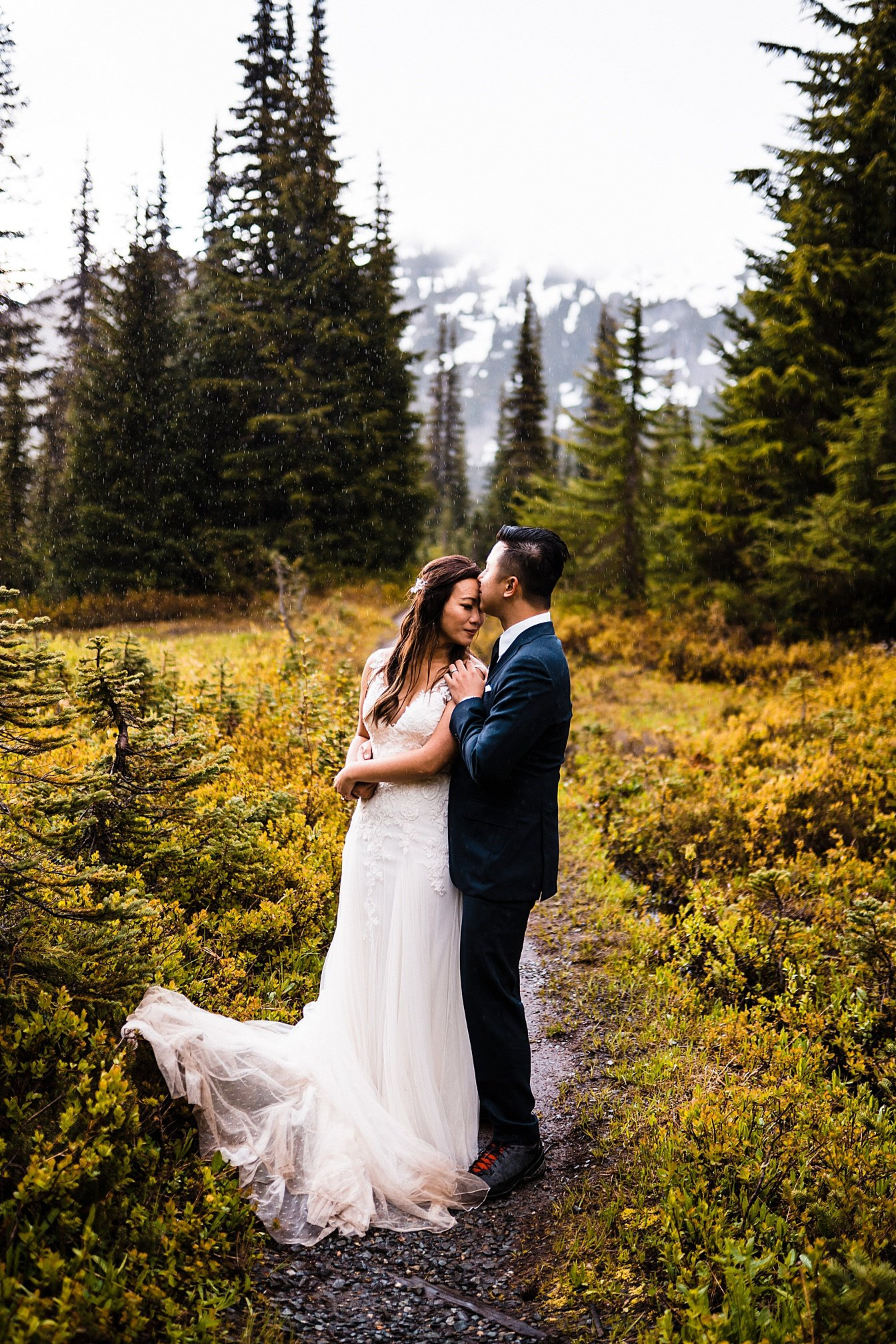 misty-mountain-elopement-mount-rainier_0026.jpg
