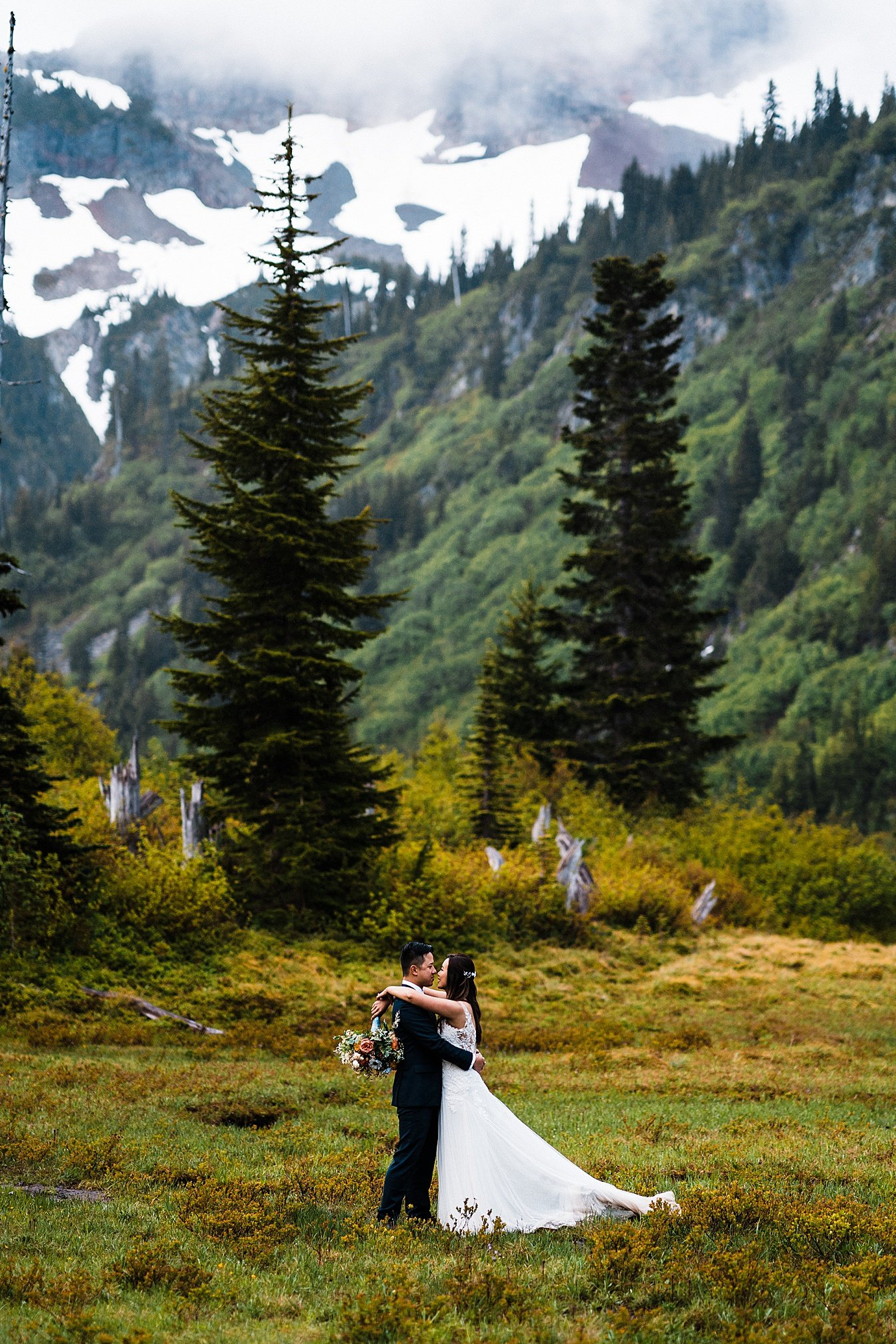 misty-mountain-elopement-mount-rainier_0028.jpg