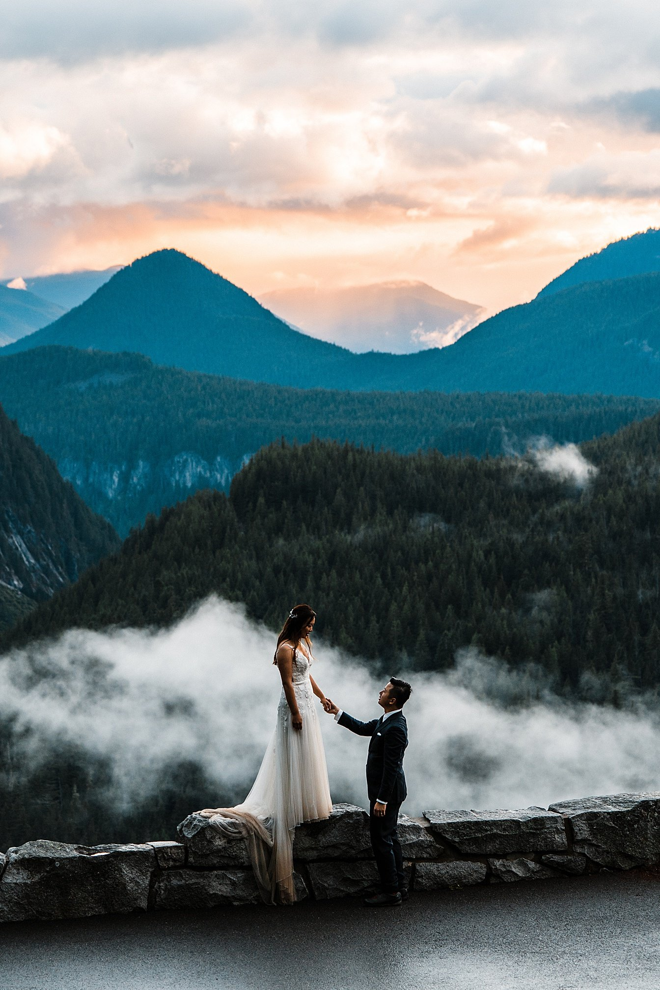 misty-mountain-elopement-mount-rainier_0031.jpg