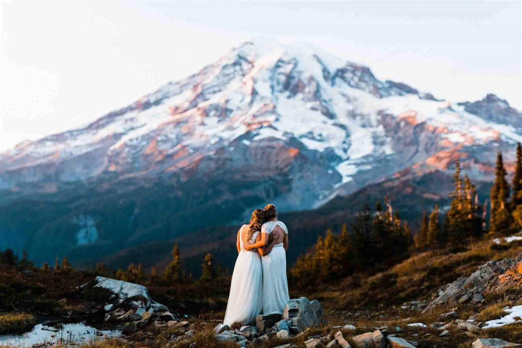 Washington Elopement Photographer at mount rainier for the best places to elope in washington state