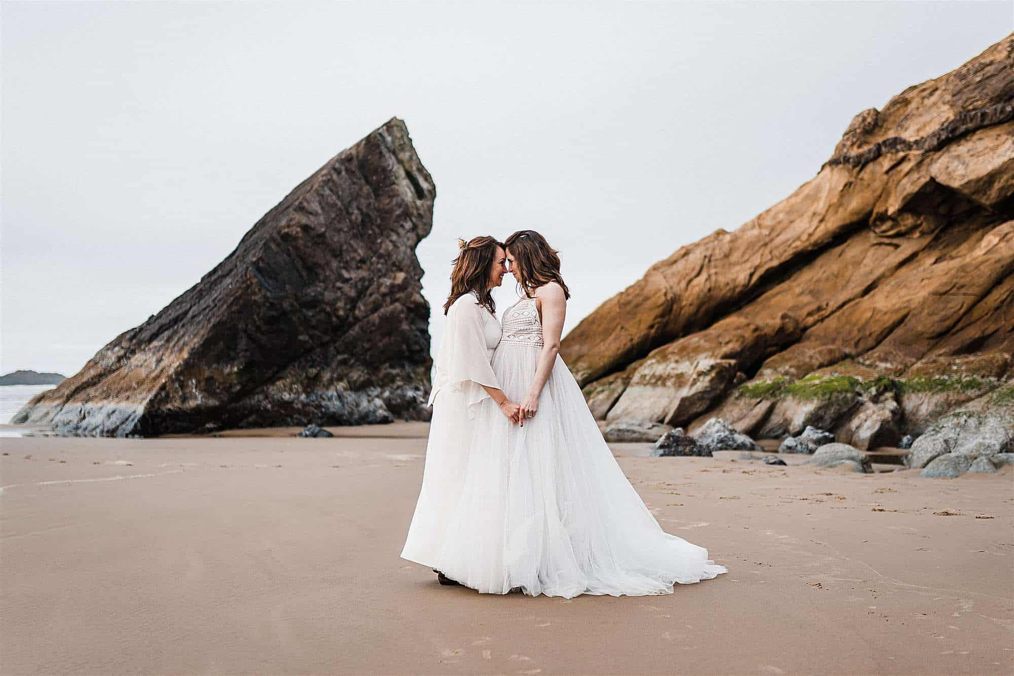 Oregon beach elopement