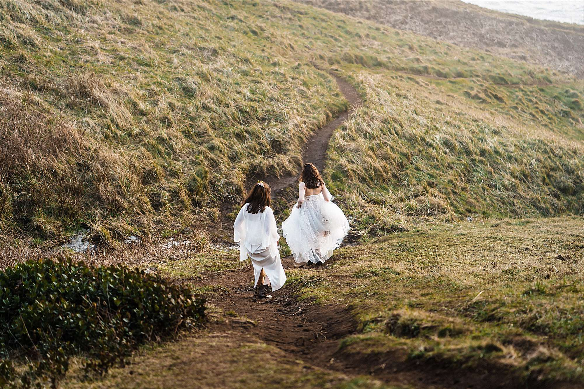 Oregon beach elopement