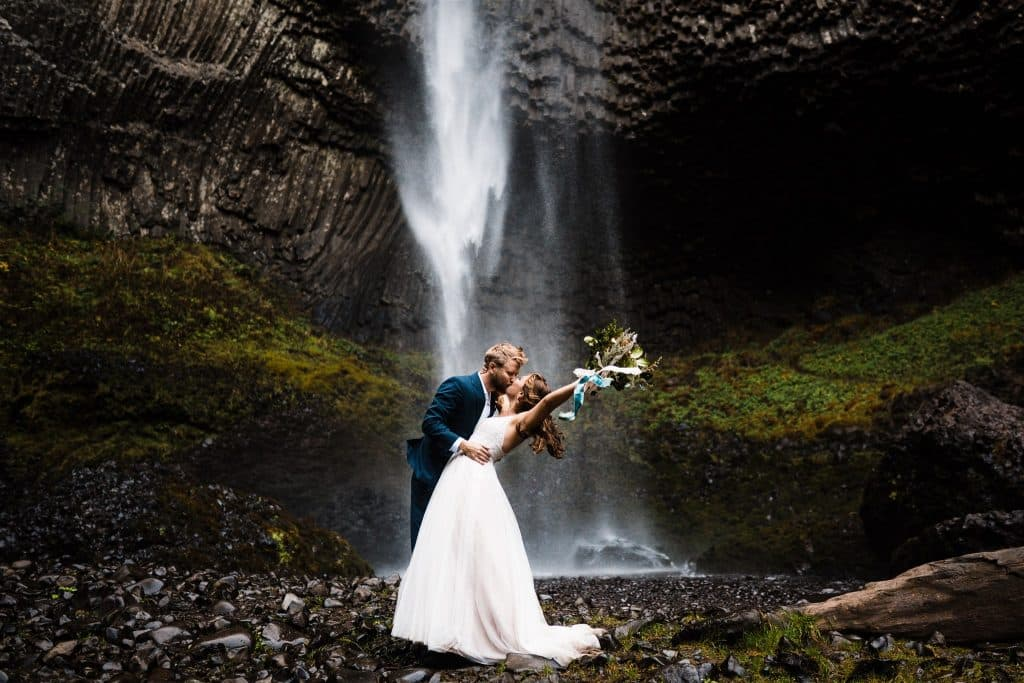 Last minute weddings and elopement packages Best places to elope in oregon for a waterfall elopement