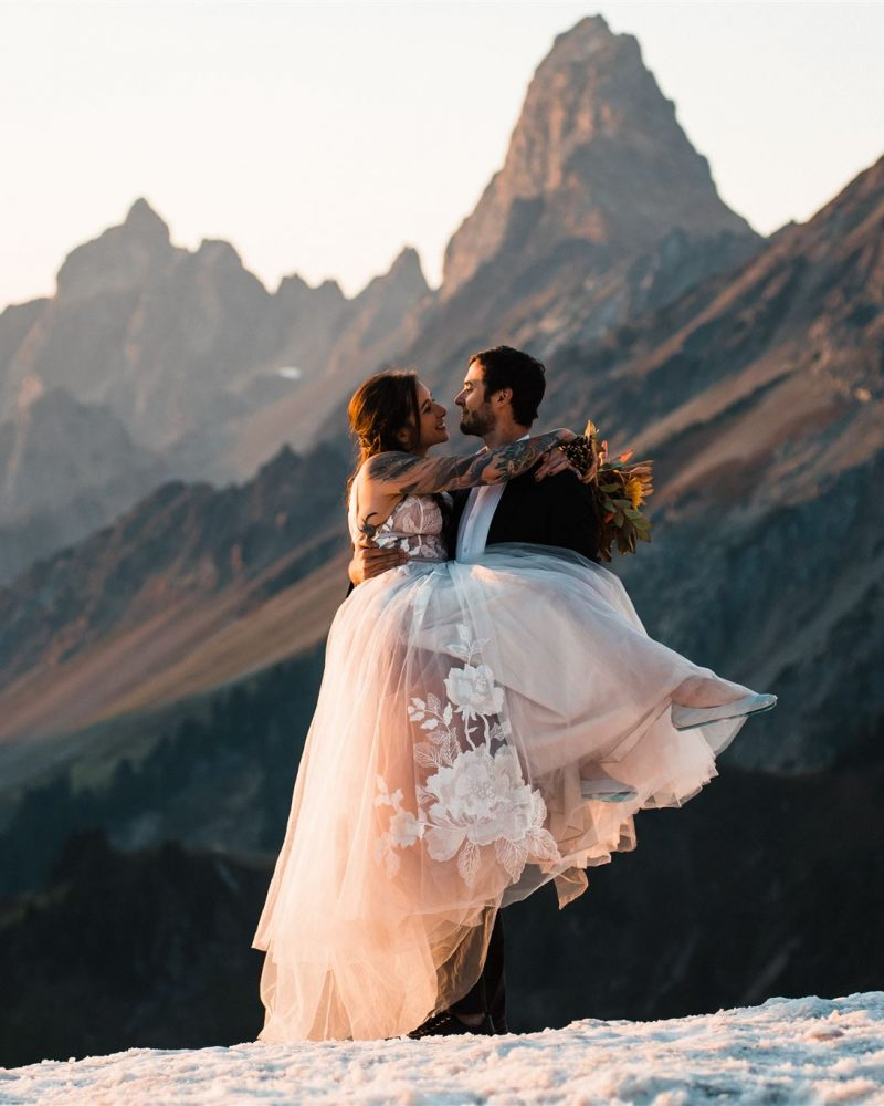 Elopement Dresses_Thea_Lucas_North_Cascades_Elopement_The_Foxes_Photography_207-2_websize