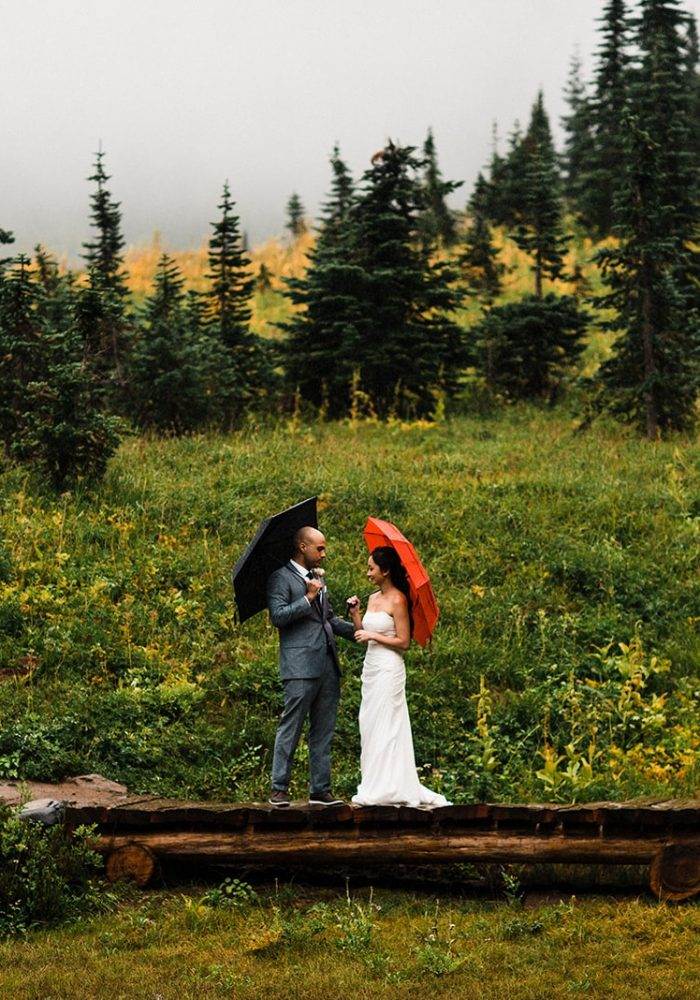rainy pnw mt rainier elopement